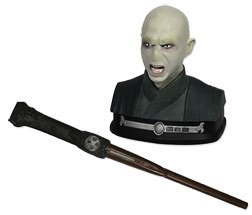 Dueling trainer with Lord Voldermort and a wand