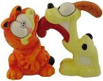 Garfield and Odie as Salt and Pepper shaker set