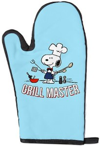 Peanuts oven mitt with Snoopy