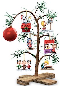 Peanuts Special Christmas Tree With Ornaments