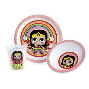 Wonder Woman Dinnerware Set