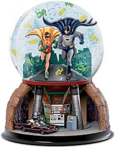 Batman And Robin And The Batcave Snow Globe